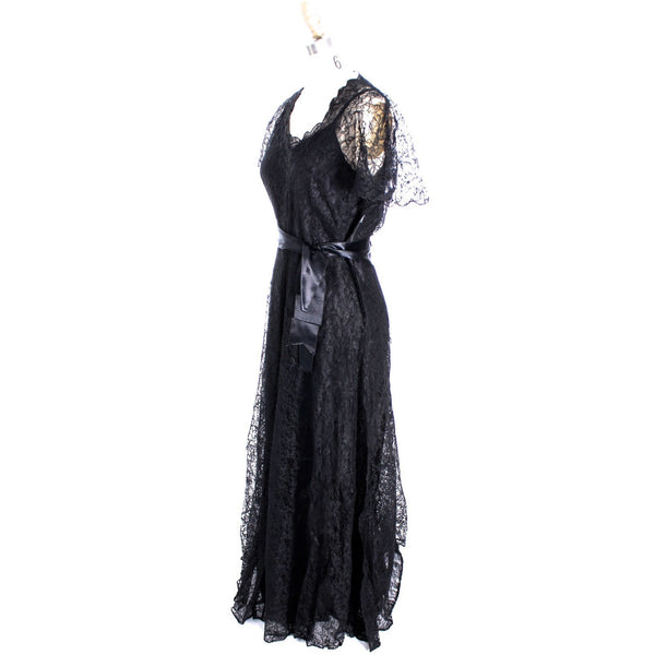 VTG 1940s Lace Gown Black Full Length M + Slip Wearable 40-32-44 - The Best Vintage Clothing  - 7