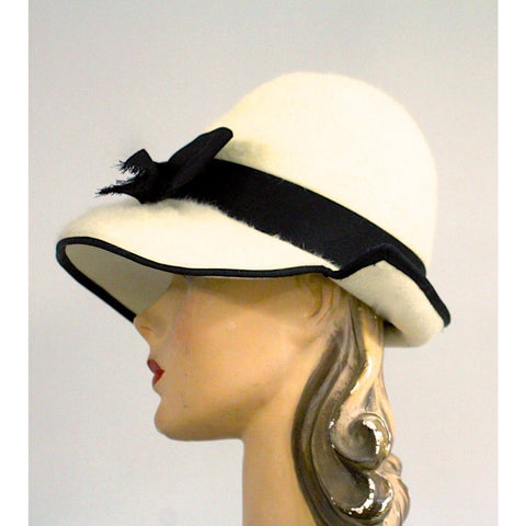 Vintage Ladies Bucket Hat Mr.John Jr Ivory & Black Dramatic Style 1960s
