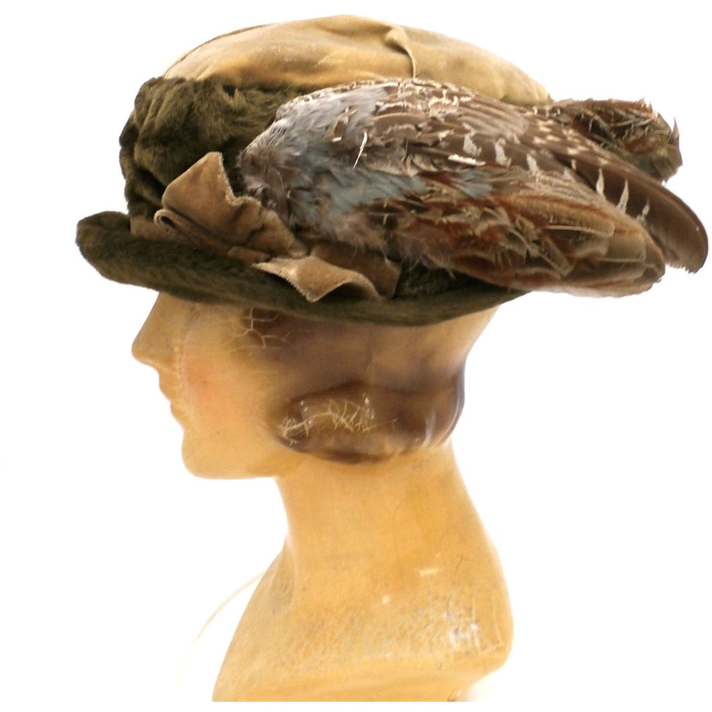 cb870d82b0216 Antique Hat Edwardian Ladies Toque Mohair Birdwings Feathers Floral  Applique Large - The Best Vintage Clothing ...