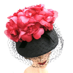Vintage Ladies Bucket Hat Black Straw w/ Red Silk Flower Crown 1940s - The Best Vintage Clothing  - 3