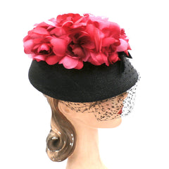 Vintage Ladies Bucket Hat Black Straw w/ Red Silk Flower Crown 1940s - The Best Vintage Clothing  - 2