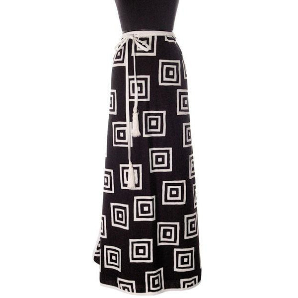 "Vintage Geometric Print Black & White Maxi Wrap Skirt D'Accord 30"" Waist 1970s - The Best Vintage Clothing  - 1"