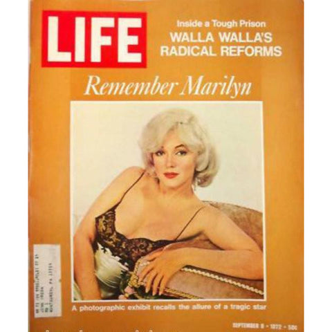 Vintage Life Magazine  Marilyn Monroe 1972 Fab Shoes Too
