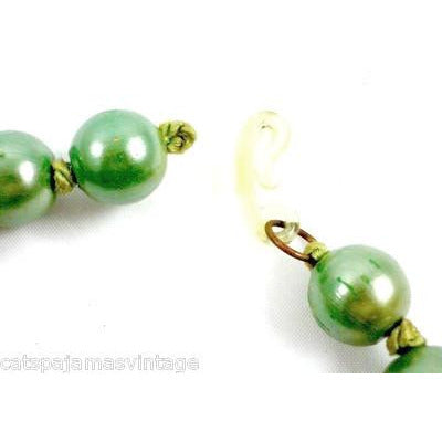 Vintage Necklace Green Composition Beads Graduated 1940s - The Best Vintage Clothing  - 3