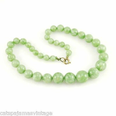 Vintage Plastic Green Jadeite Colored Beads Necklace 1930S