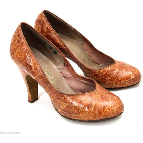 VTG LT Brown Alligator Bump Toe High Heel Pumps Size 4B 1950s Great Shape