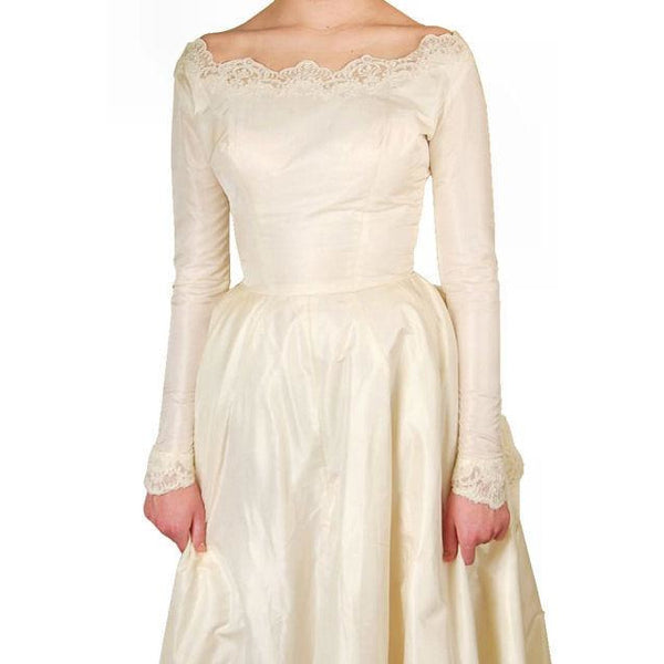 Vintage Champagne Ivory Silk Wedding Gown & Wax Look Headpiece- Veil 1949 Small - The Best Vintage Clothing  - 7