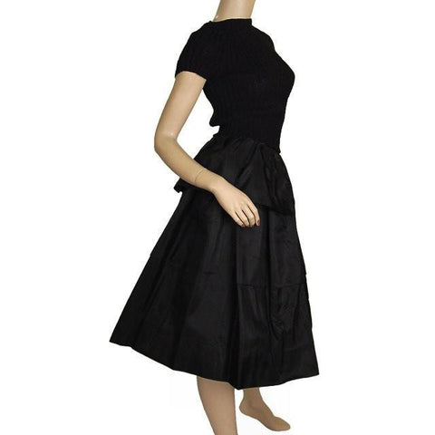 "Vintage 1940s  Skirt  Ruffled  Black Taffeta WOmens  24"" Waist"