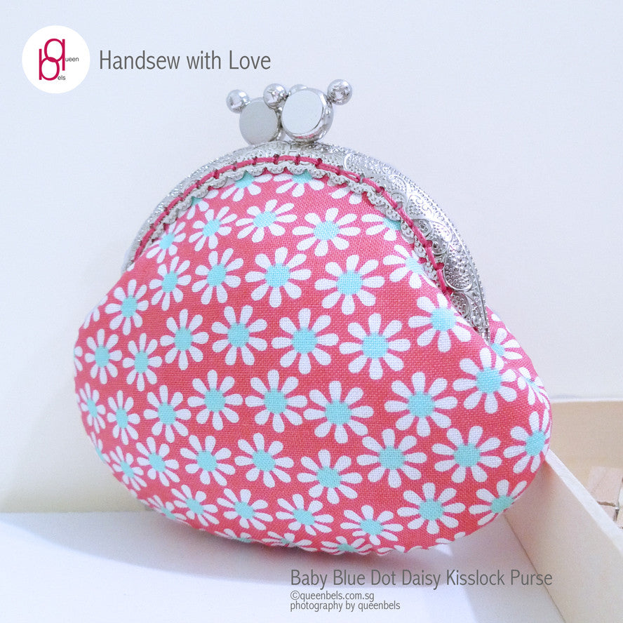 Baby Blue Dot Daisy Kisslock Purse
