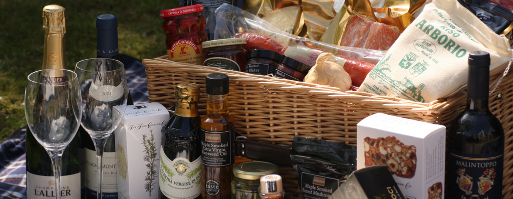 Image of The Artisan Smokehouse Luxury Wicker Hamper