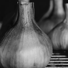 Image of Garlic in Smoker - The Artisan Smokehouse
