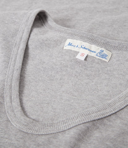 Women's <br/>19.70sw fitted V-neck <br/>grey mel.