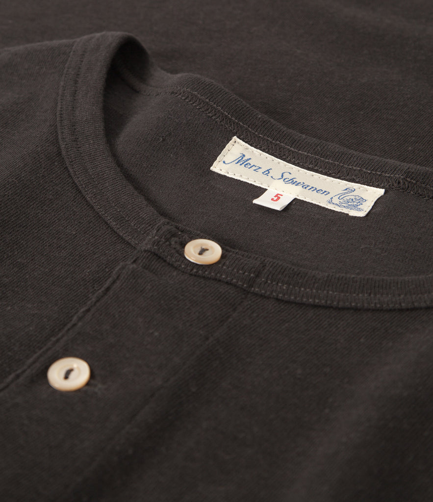 Men's <br/>2H06 hemp-cotton henley long sleeve <br/>charcoal
