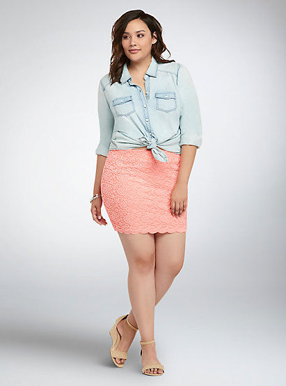 AUCTION ITEM - Torrid Salmon Rose Lace Mini Skirt Torrid 2 fits 18/20 NWT