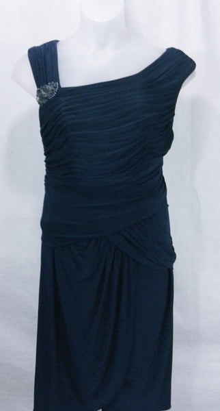 AUCTION ITEM Adrianna Papell Plus Size Pleated Ruched Embellished Cocktail Dress Sz 14W