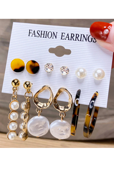 Classy Queen Earrings Set
