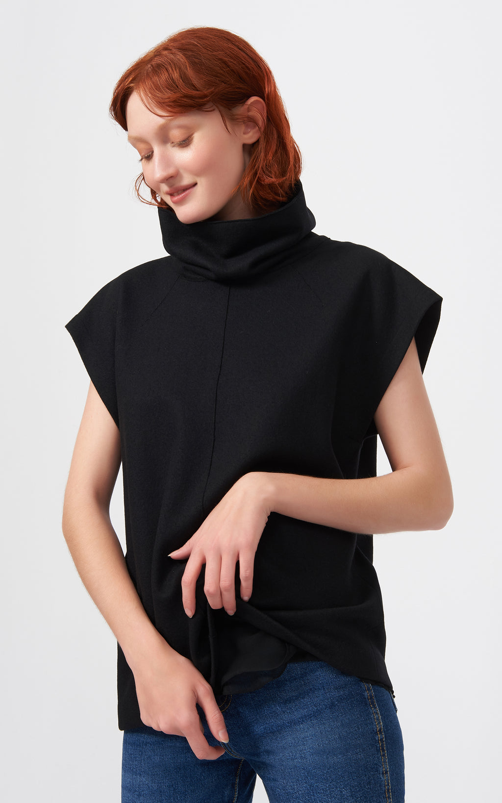 SEAMED TURTLENECK