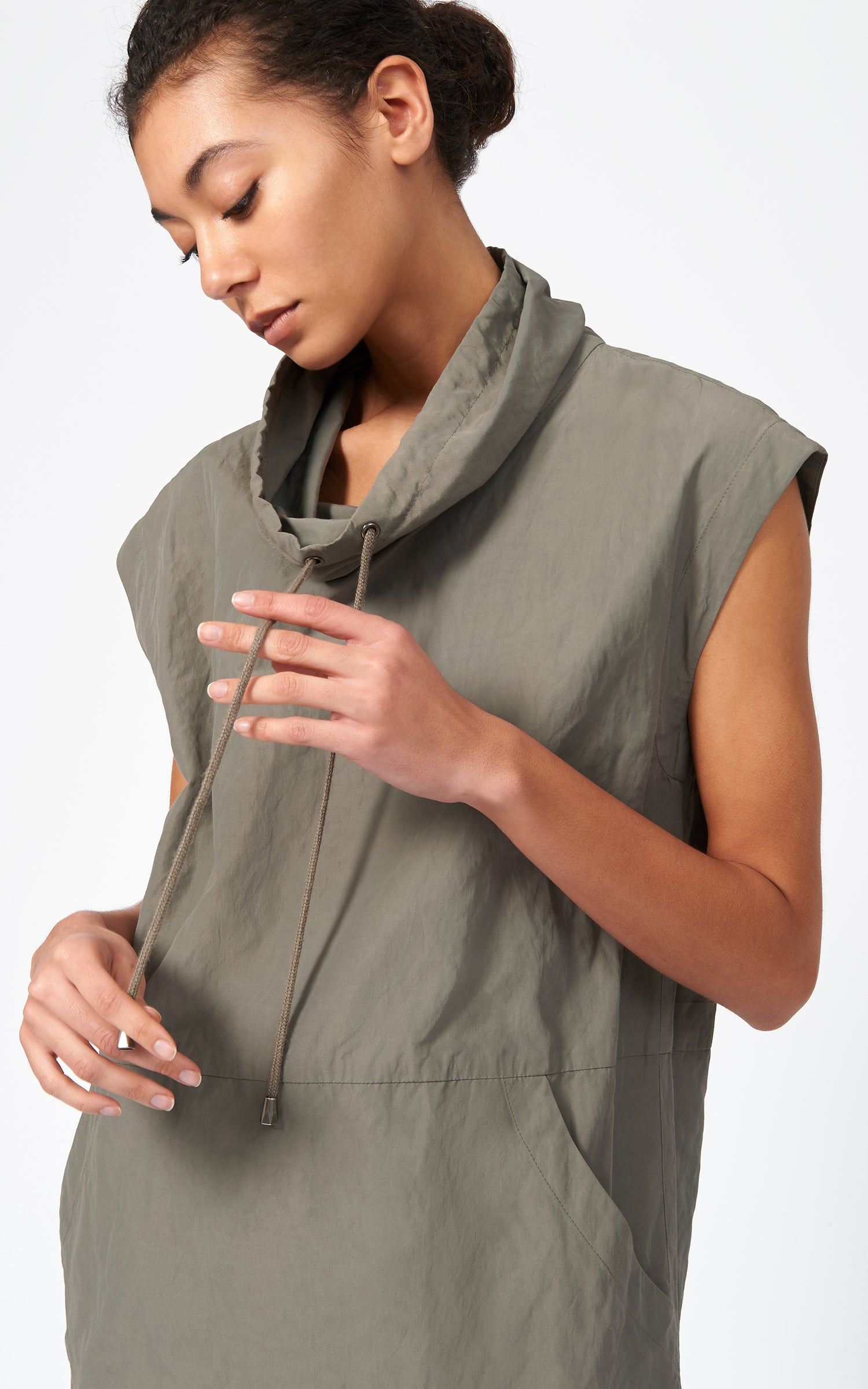 COTTON NYLON DRAWSTRING PULLOVER - OLIVE