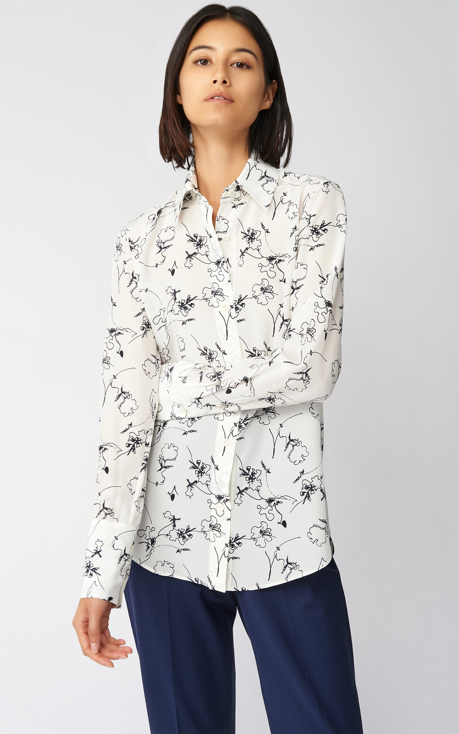 CLASSIC TAILORED BLOUSE - NAVY FLORAL