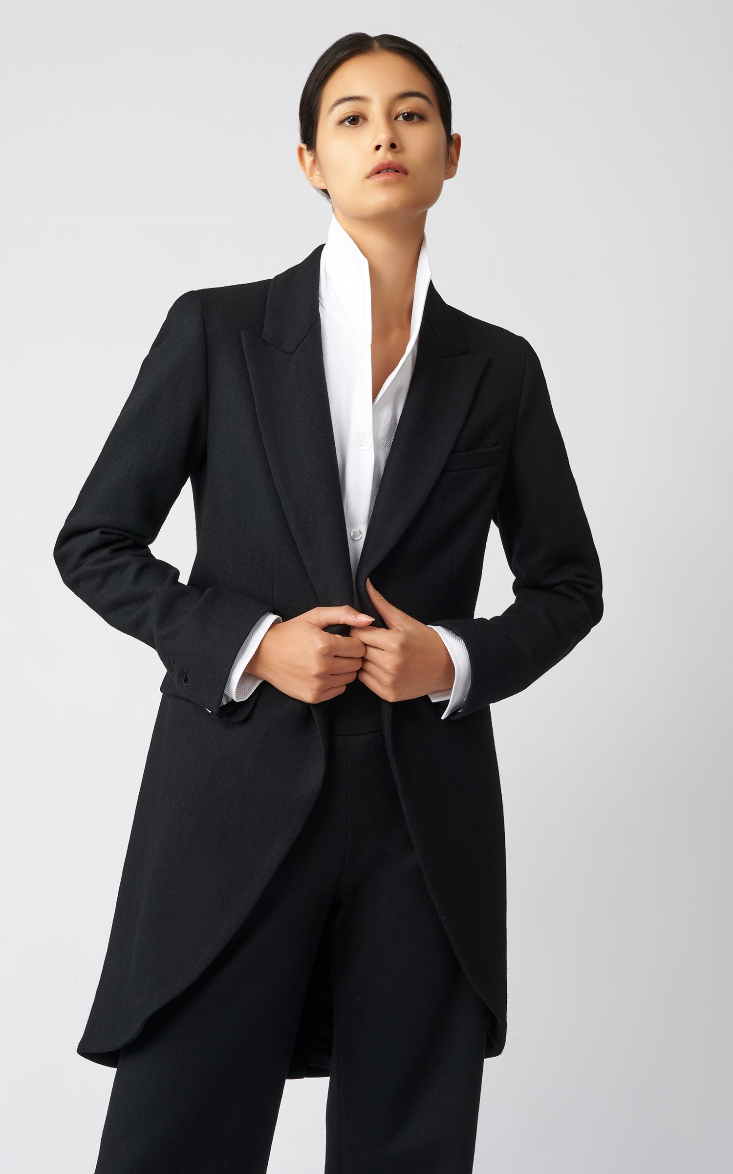 TAILORED TUX BLAZER