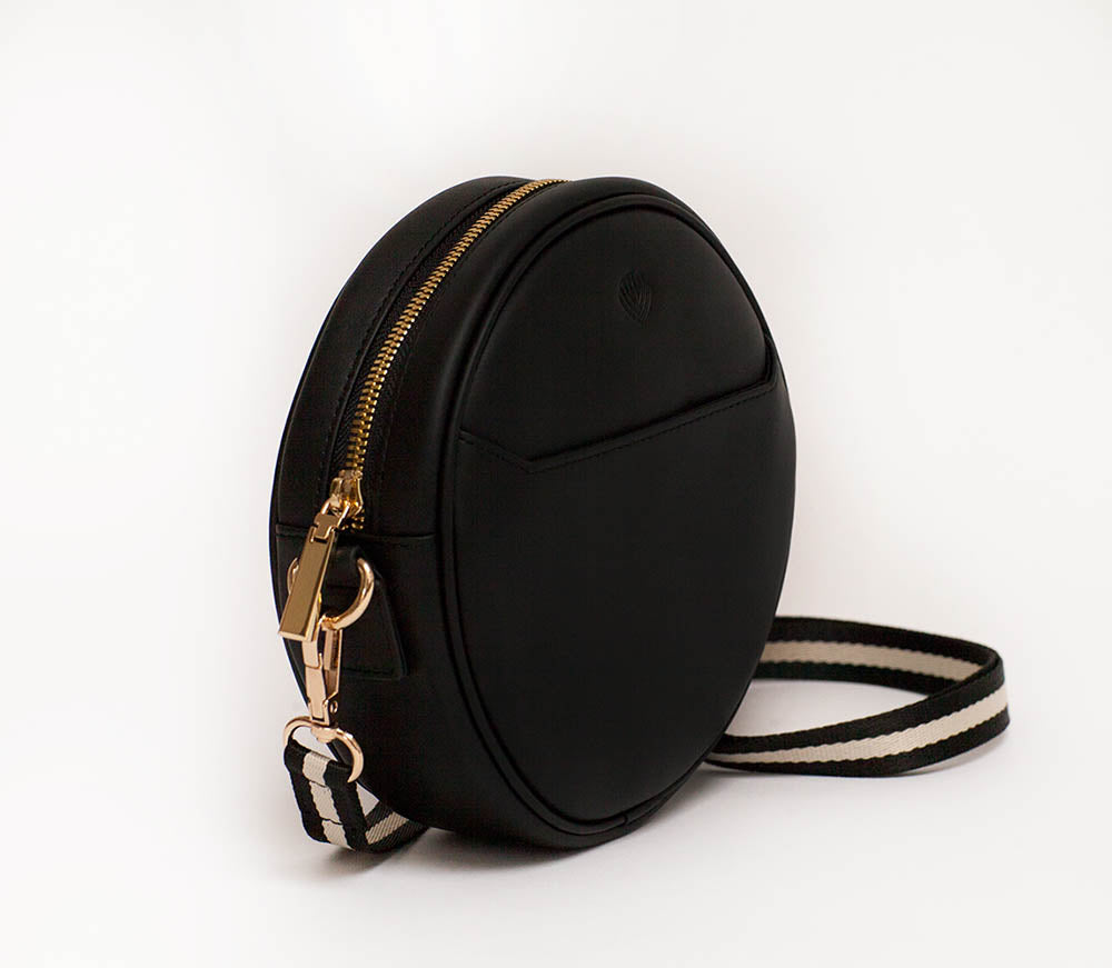 Women's leather belt bag, shoulder purse, fanny pack in black. Best for professionals who travel or commute.