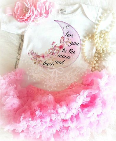 ***BABY SHOWER FAVOURITE*** Newborn Girls I love you to the moon and back Onesie