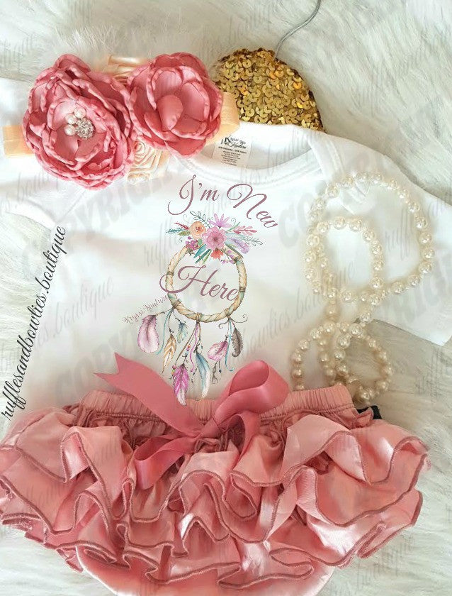 *** EXCLUSIVE*** I'm New Here Dusty Rose Baby Girl First Boho Outfit - New Baby - Shower Gift