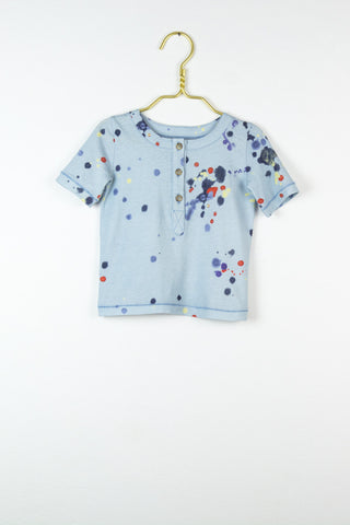 Bo T-shirt in hellblau mit Paint splatter print