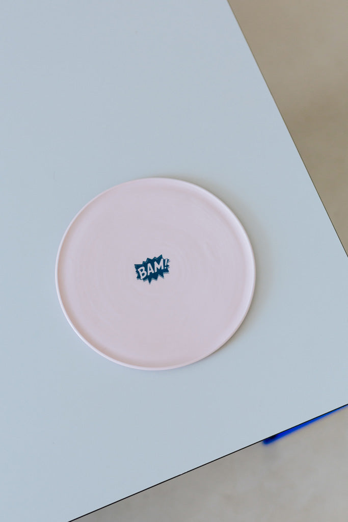 KIDS tableware Teller in rosa mit BAM print