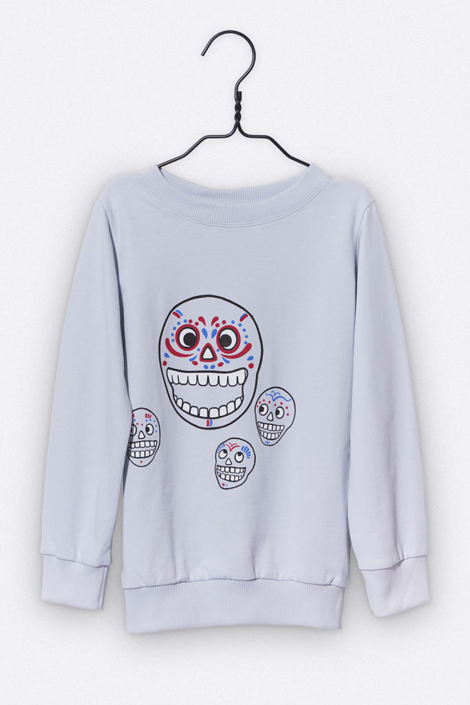 Tommy sweater in grau mit Totenkopf Print