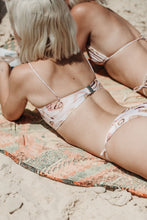 Load image into Gallery viewer, FINE LINE FRUTTA SEASHELL BANDEAU BIKINI