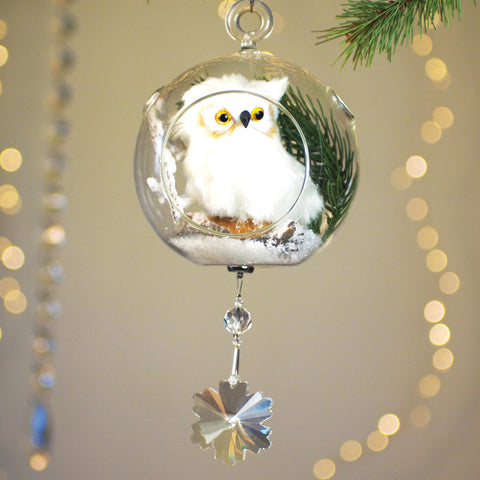 White Owl in Glass 4' with Magnetic Snowflake Crystal 3