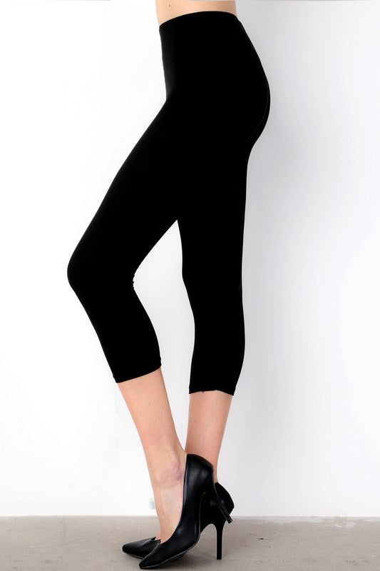 Black Capri Leggings (One Size 0-14)