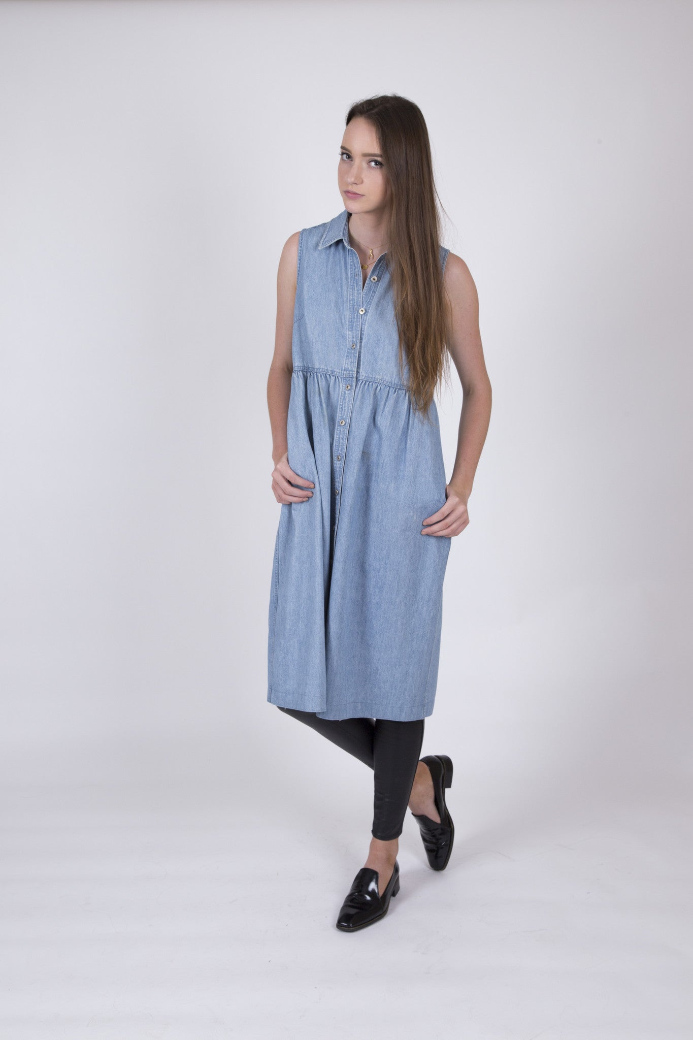 Easy in the City Vintage Denim Dress with Button Front Detail: Size Large