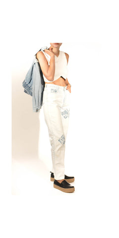 Street Style Muse Vintage Mom Jean with Flower Patch Details: Size 28
