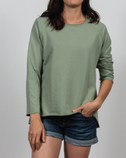 Essential Raglan Sleeve in Green