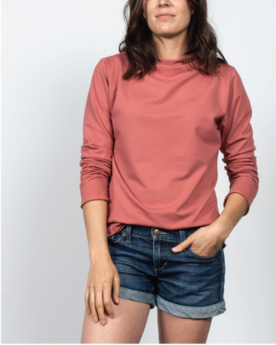 Essential Mock-Neck in Red