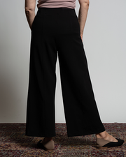 THE CORE WIDE LEG STRETCH PANT