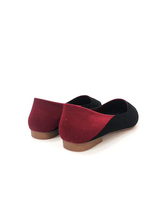 THE KNITTED POINT SLIP-ON IN BLACK/MERLOT