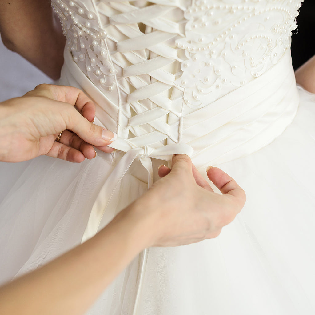 How to Wear a Corset under Your Wedding Dress