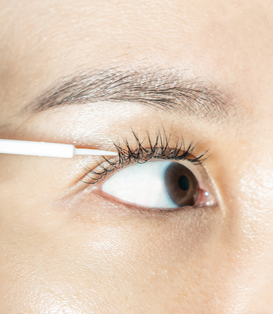 Your eyes are the window to your soul – Eyelash serum feature!