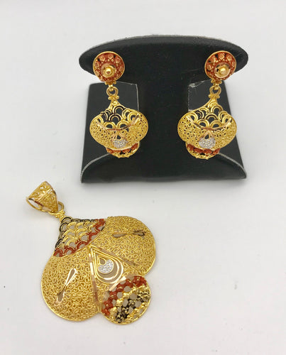 21K Yellow Gold Earring and Pendant Set