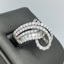 18K White Gold Diamond Melee Ring