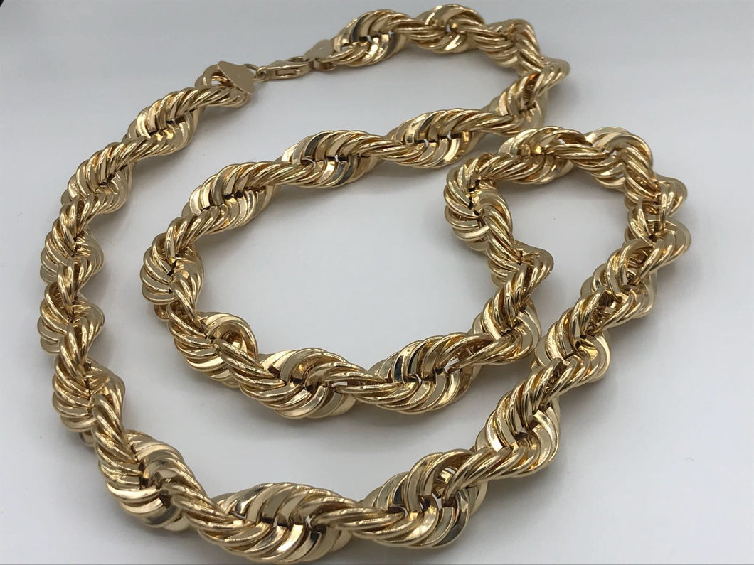 Huge yellow gold rope chain
