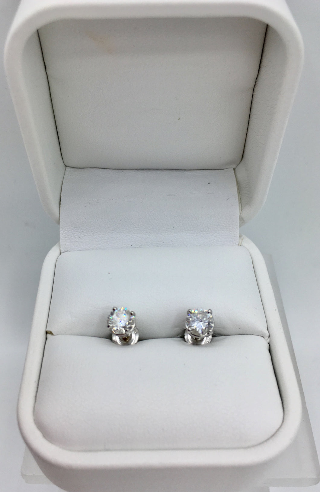 14K Diamond Stud 1.10Ct TDW Earrings( SOLD)