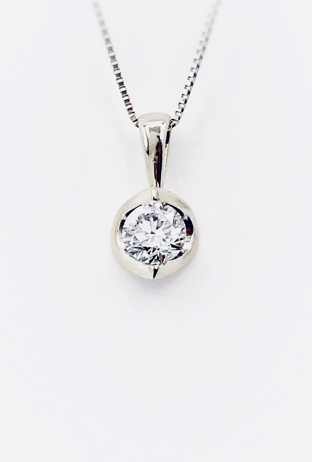14K Diamond  Half Moon 0.20Ct Pendant & Chain