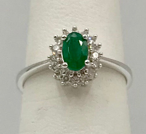 10K Emerald Ring KR05-19003