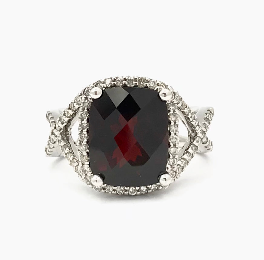 10K 4.40Ct Garnet Diamond Ring