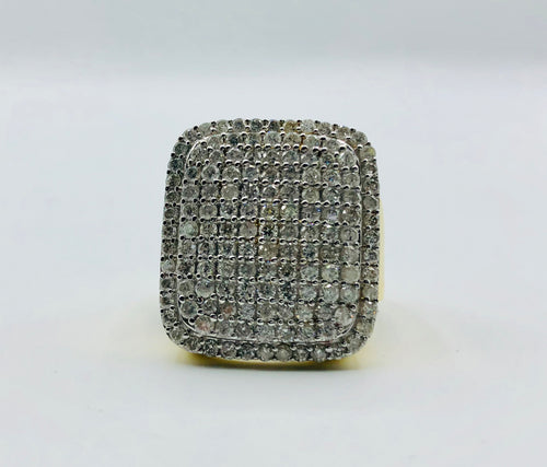 10kt Yellow Gold And 1.00ct TWD Diamond Ring