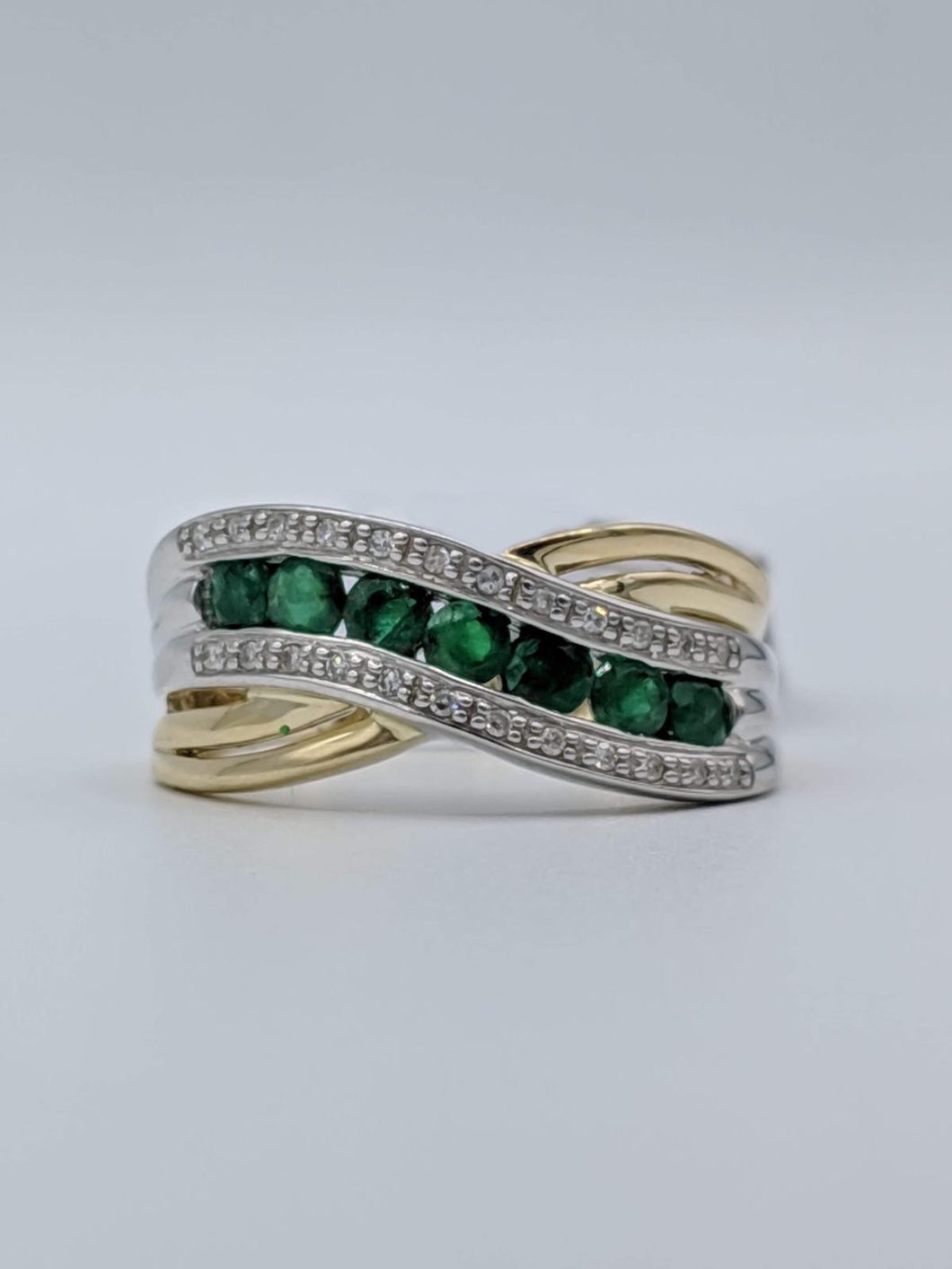 10kt Yellow Gold Curved Diamond Emerald Ring